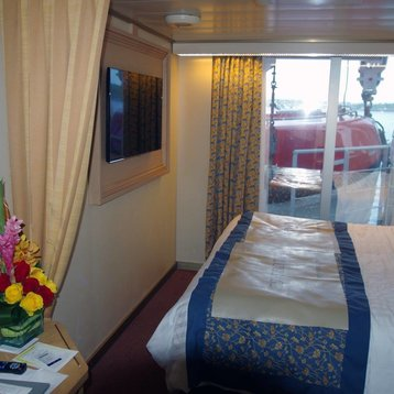 Large Oceanview Stateroom (Obstructed View) on Oosterdam