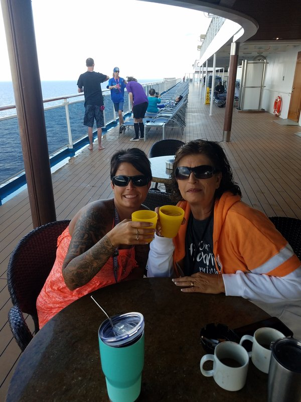 deck 11 morning mimosas! - Carnival Breeze