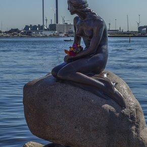 Statute of the Littlr Mermaid