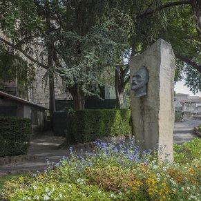 Van Gough Memorial
