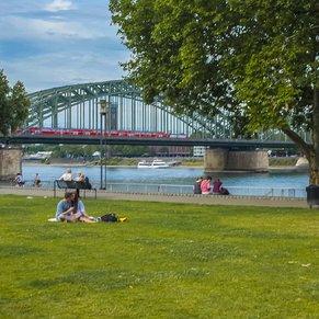 Rheingarten embankrent with the Hohenzollern Bridge at the background