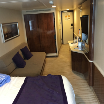 Mid-Ship Mini-Suite with Balcony on Norwegian Breakaway