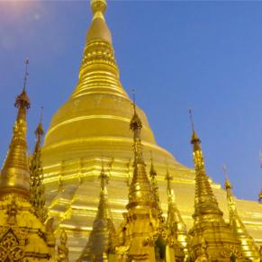 Yangon, Myanmar:  Schwaedagon Pagoda (3 April 2016)