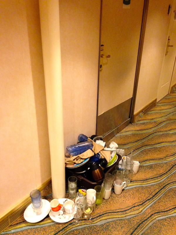 """Grandeur of the Seas cabin 4513 - mess outside """"pantry"""""""