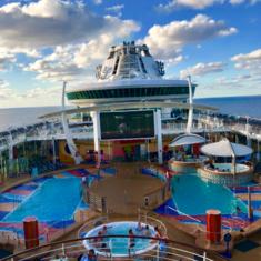 Pool Bar on Liberty of the Seas