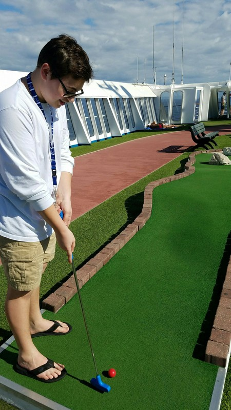 Carnival Ecstasy, Sports, Mini Golf