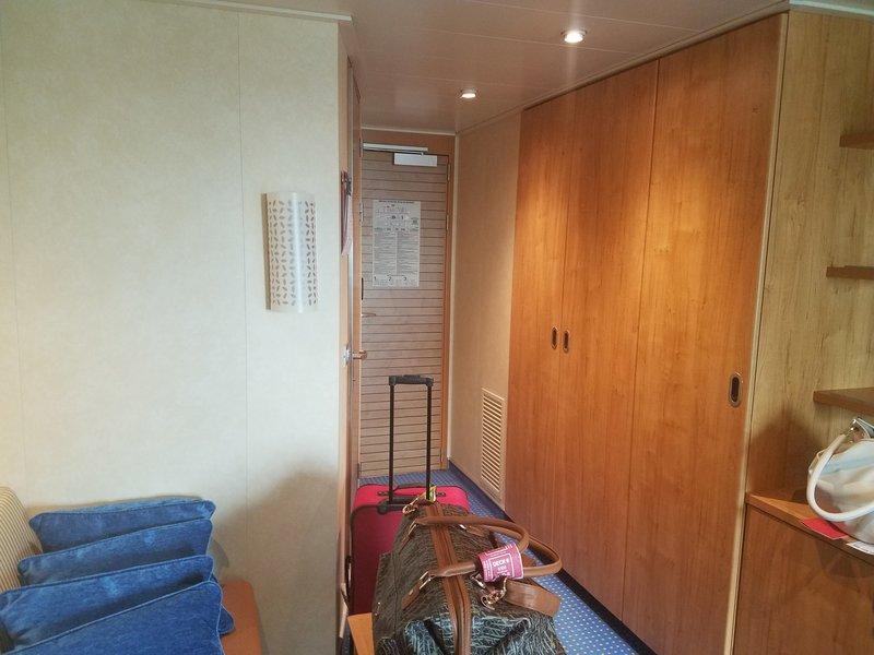 Carnival Vista cabin 8305