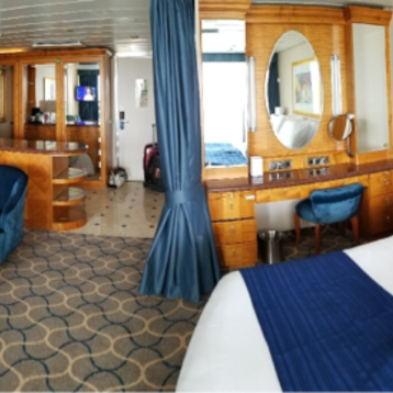 Grand Suite with Balcony on Serenade of the Seas