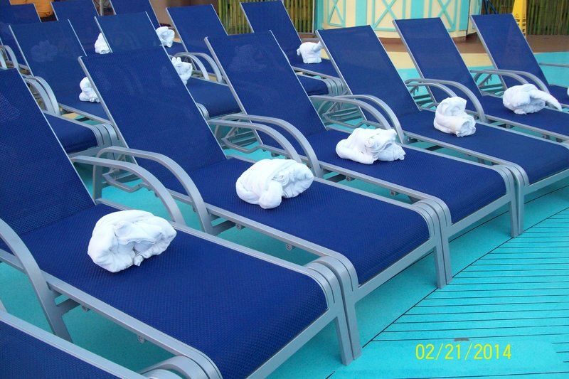 Carnival Magic, Pools, Beach Pool