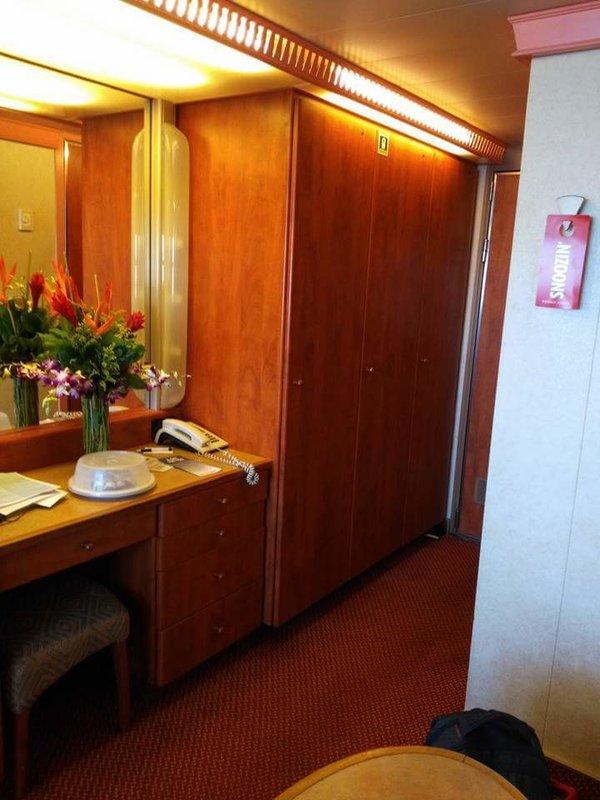 Carnival Conquest cabin 9270