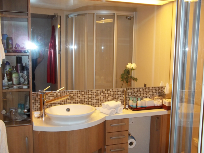 Celebrity Solstice Stateroom Pictures and Descriptions on ...