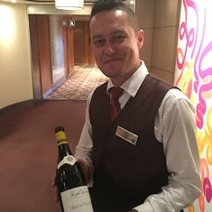 Raul from Romania 🇷🇴 Sommelier   AROUND THE WORLD WINE  🍷 TASTING