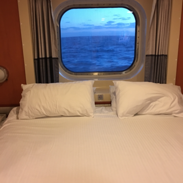 Family Oceanview Picture Window Stateroom on Norwegian Gem