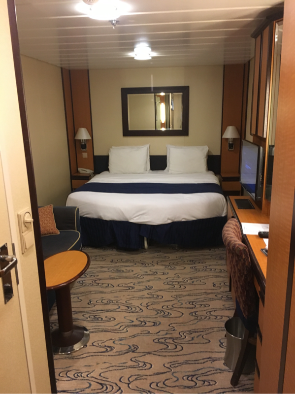 Interior Stateroom Cabin Category Sn Jewel Of The Seas