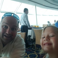 Beverage service while dining in Windjammer on Freedom of the Seas