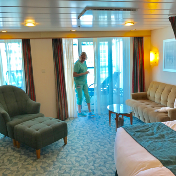 Junior Suite with Balcony on Independence of the Seas