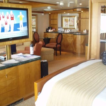 Owner's Suite with Balcony on Explorer of the Seas