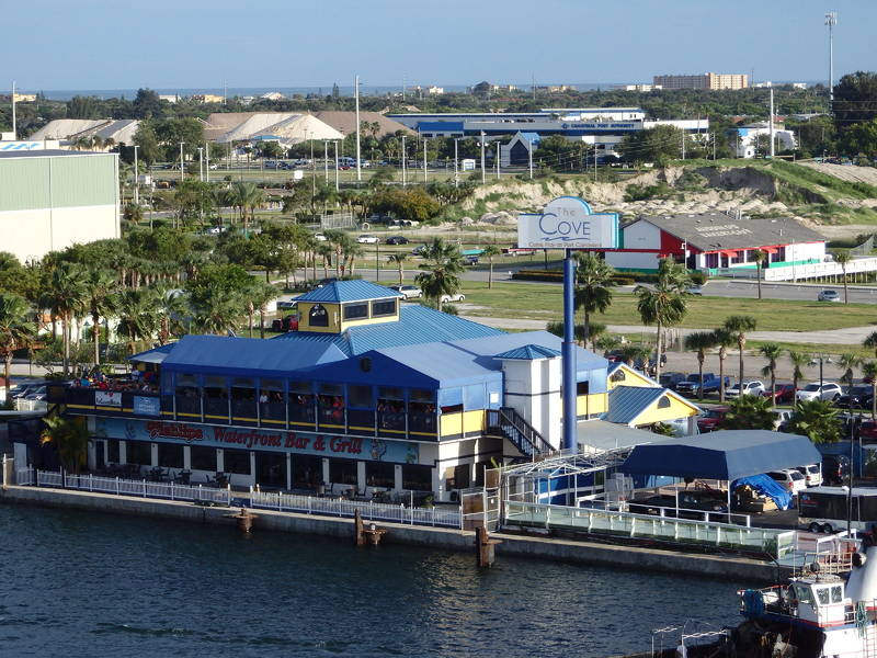 Port Canaveral - Fishlips bar/grill - Carnival Pride