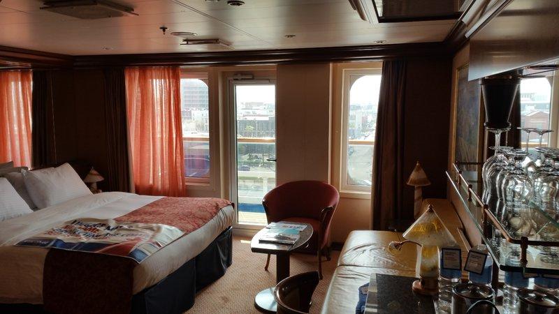 Ocean Suite Cabin Category U3 Carnival Valor