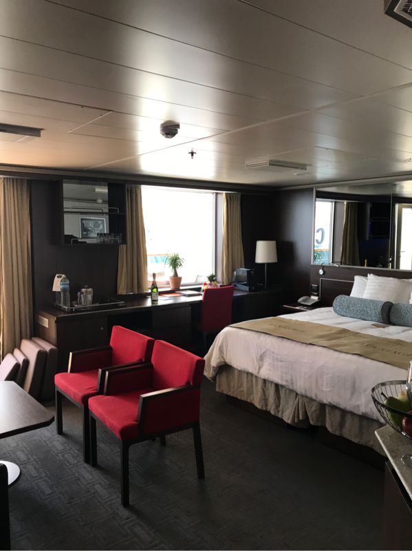 Suite 7074 On Nieuw Amsterdam Category Up