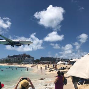 Heads up! Maho beach