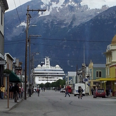 Skagway, Alaska - Ship coming through!!!