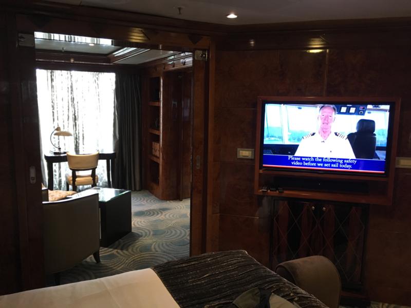 suite 8530 on disney wonder category sr. Black Bedroom Furniture Sets. Home Design Ideas