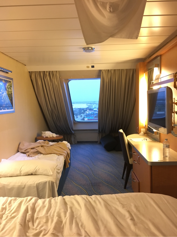 Oceanview Stateroom Cabin Category Sf Oasis Of The Seas