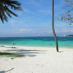 Free public beach ... Nassau