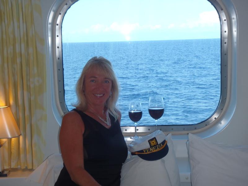 Norwegian Spirit cabin 6570 - Cheers!