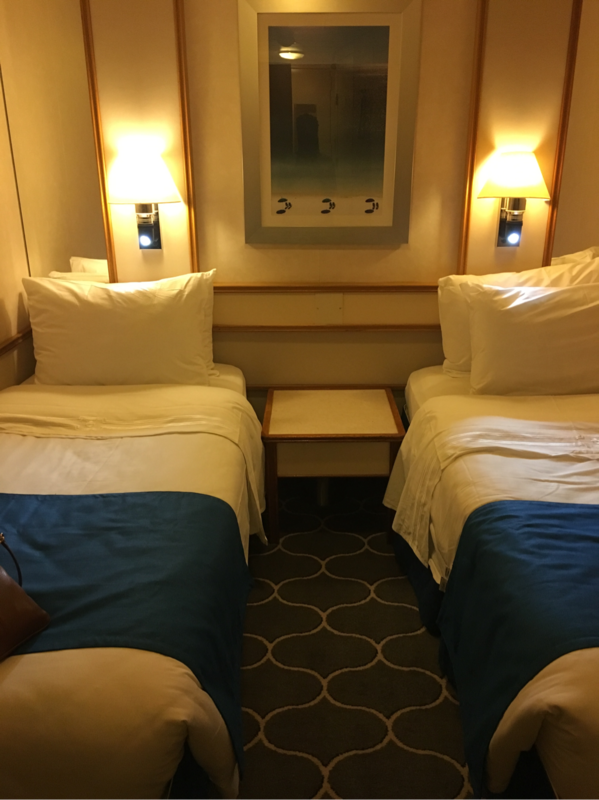 Interior Stateroom Cabin Category Sn Empress Of The Seas