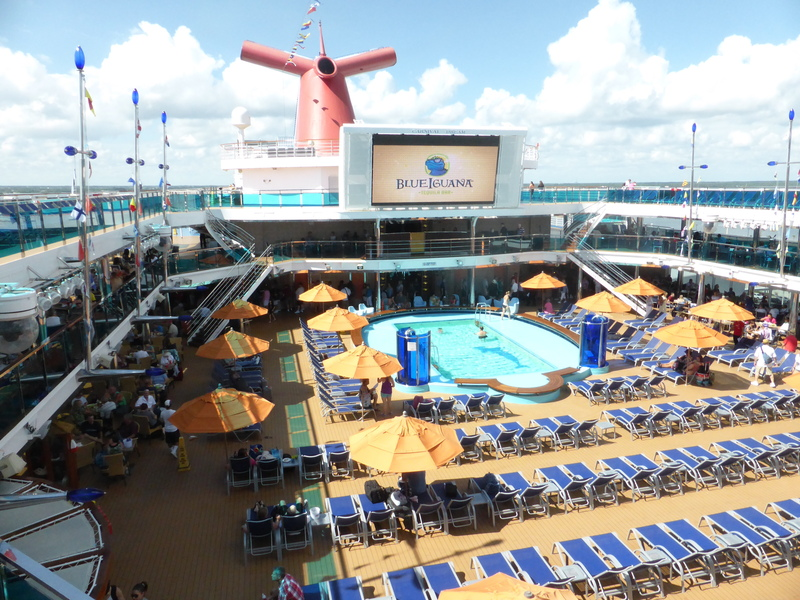 Pool, Smokestack, outdoor TV Screen - Carnival Dream