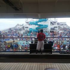 DJ on the Lido