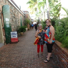 Shopping in St-Thomas (side streets are beautiful)