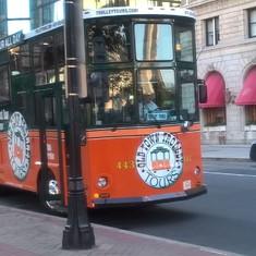 Orbitz hop on bus - good tour & deals