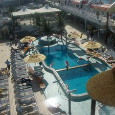 Sensation pool area midship