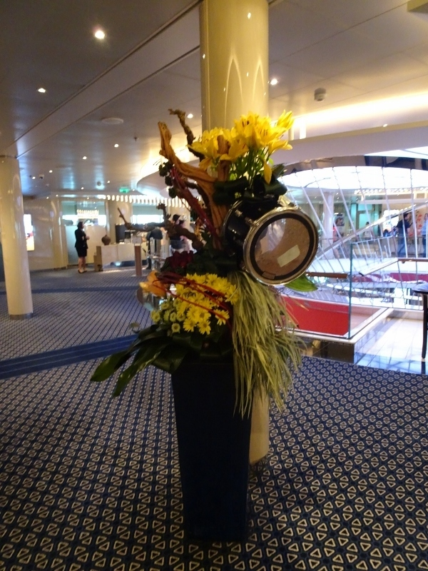 Lovely floral decorations - Koningsdam