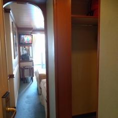 entry & closet, c515