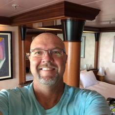 Carles in the suite, U74