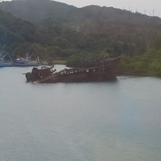 Mahogany Bay, Roatan, Bay Islands, Honduras - Sunken ship
