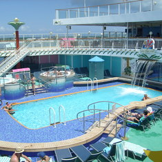 Norwegian Pearl Cruise Ship Reviews And Photos Cruiselinecom - Norwegian pearl cruise ship
