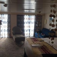 Junior Suite 9298 with decorations