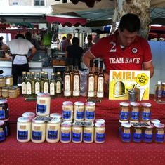 Honey at the market in Aix