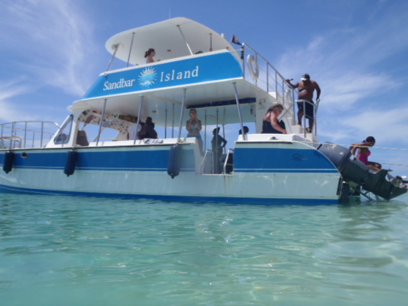 Sandbar excursion boat - Oasis of the Seas