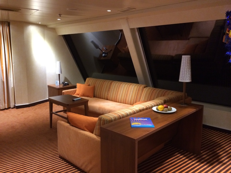 Captain's Suite, 9128 - Carnival Sunshine