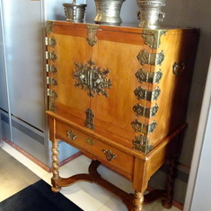 Lovely Chest of Drawers in Suite