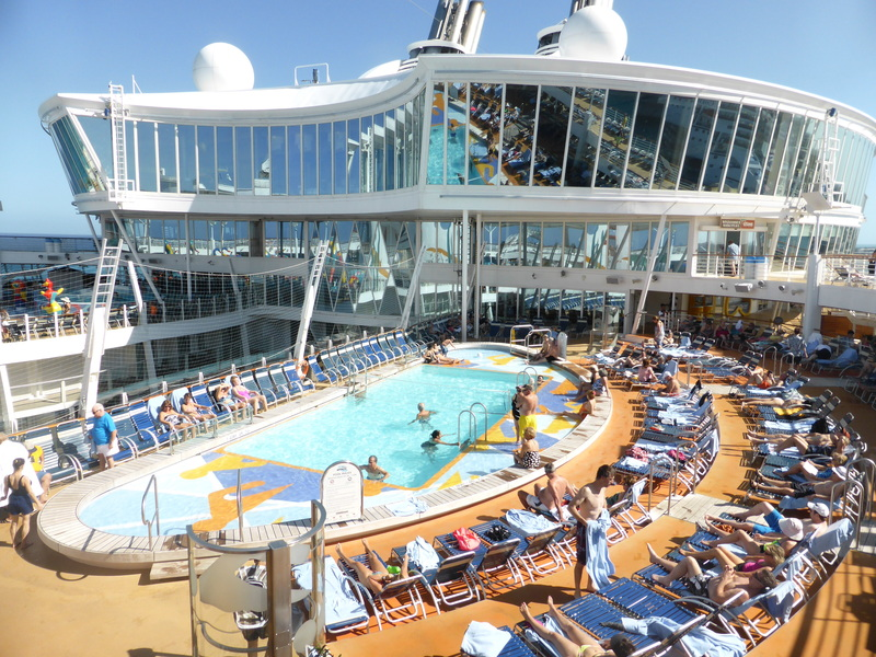 Poolside - Allure of the Seas