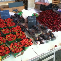 Berries at the market in Aix