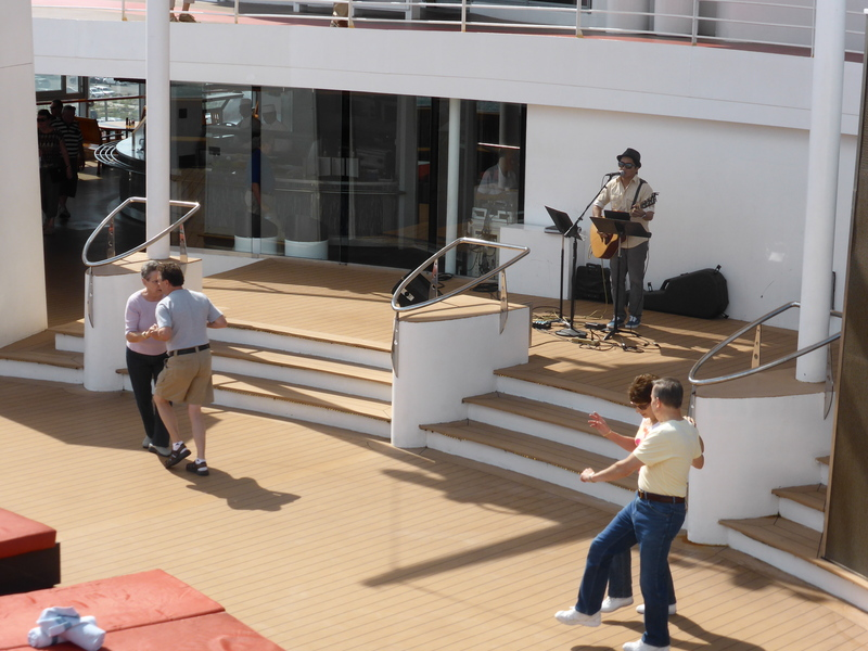 Poolside Live Entertainment to dance by - Celebrity Summit