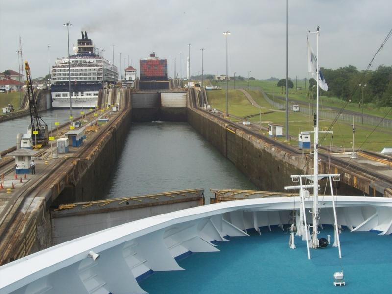 Panama Canal - Island Princess